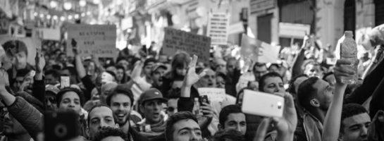 Tras la verdad, la democracia, la libertad de pensamiento y expresión